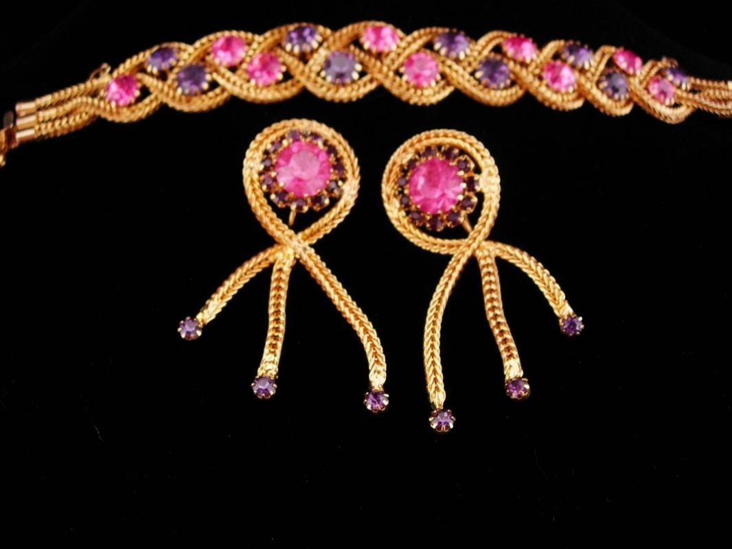 Stunning Vintage rhinestone Parure / jewels by Le Dor / original box / Tassel clip on earrings / pink purple rhinestones / Mesh gold set