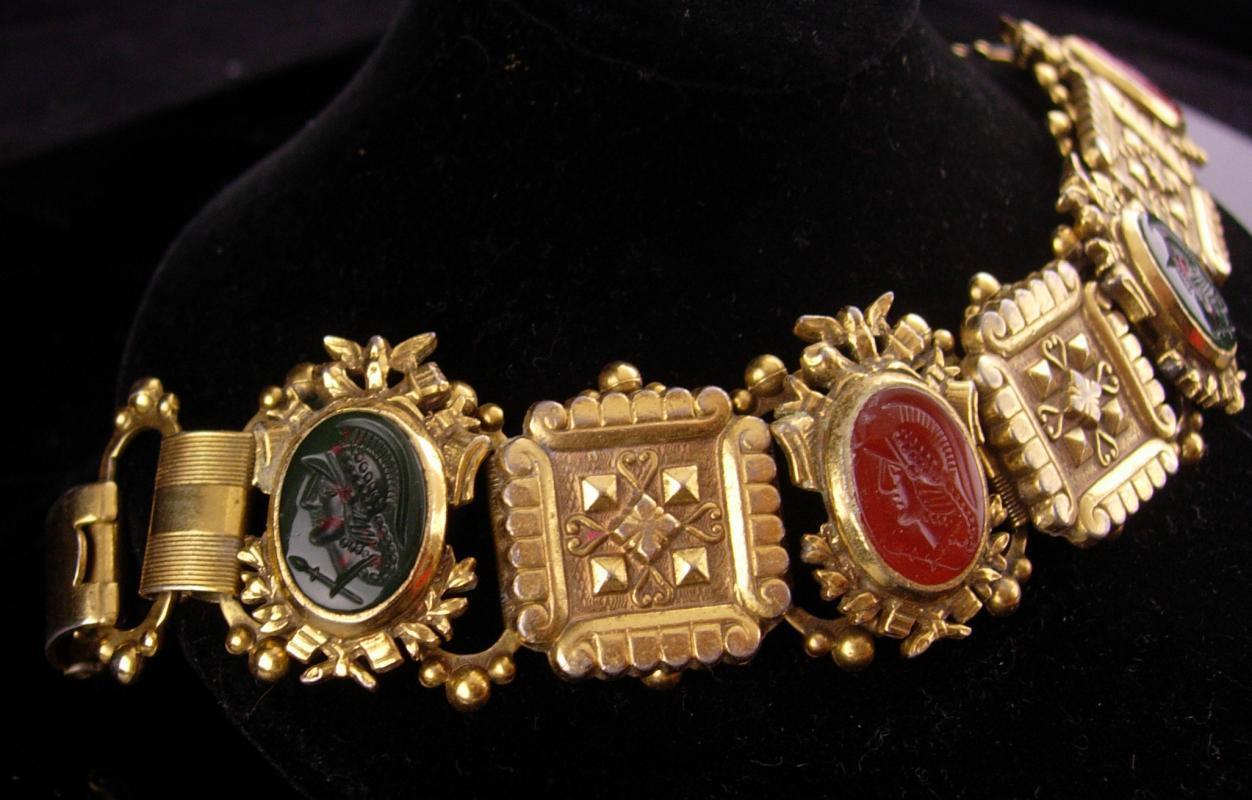 Antique Bookchain bracelet / Victorian bracelet / Bloodstone cameo / Edwardian jewelry / renaissance revival / Vintage costume jewelry