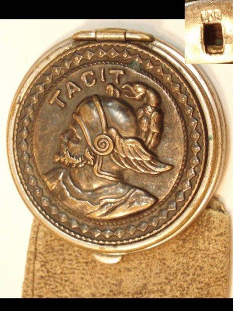1800's Medallion sovereign Figural purse