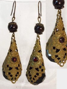 UNUSUAL BEAUTIFUL Czech Jet  GARNET earrings