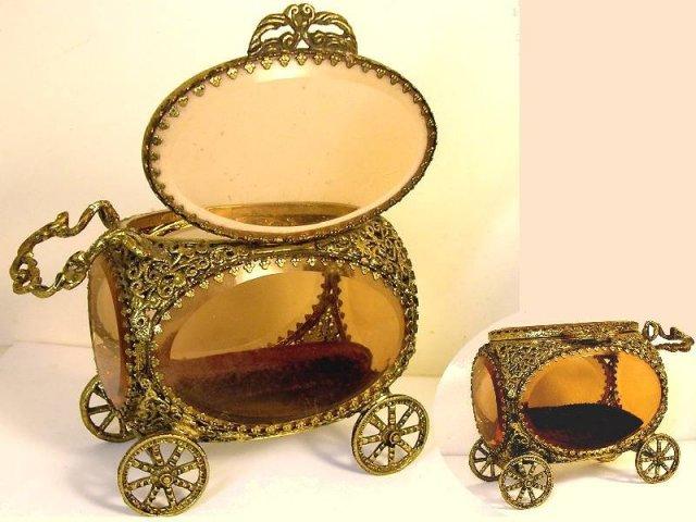 Antique Amber glass Queen's CARRIAGE casket