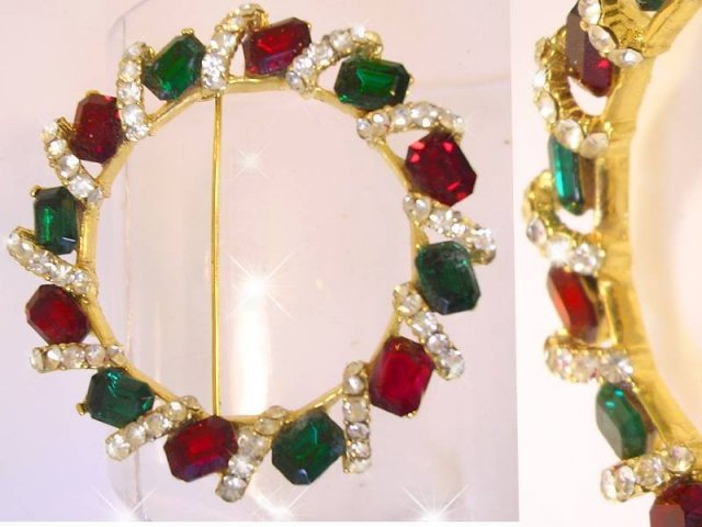 Signed Rhinestone Dimensional large colorful brooch