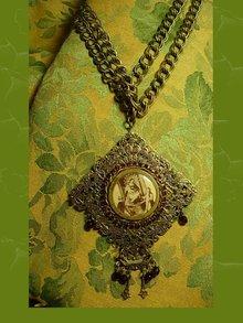 VIntage FRench garnet victorian portrait necklace