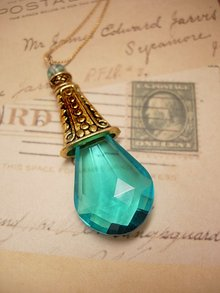 GLAMOROUS HUGE Aqua faceted drop necklace