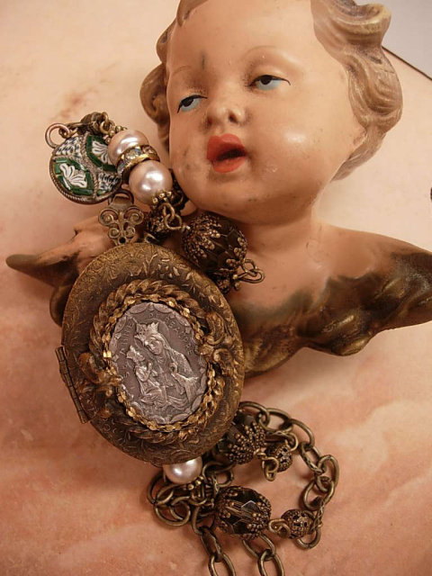 ANtique French Locket St Anne genuine pearl necklace