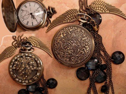Nude pocketwatch relief necklace with antique paste settings