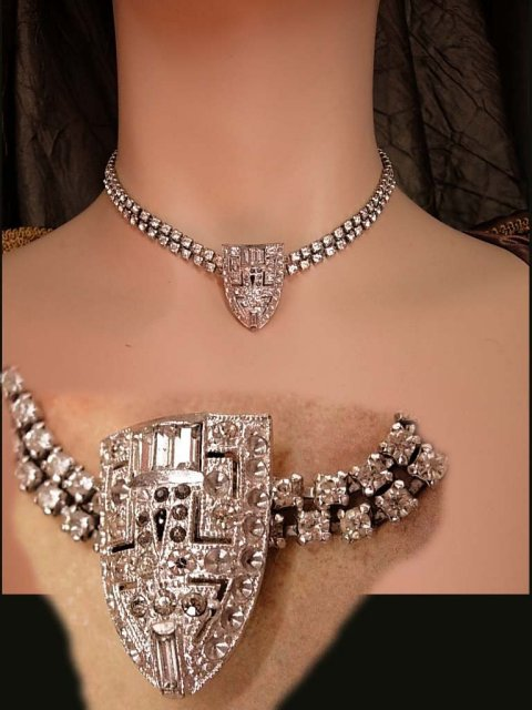 Vintage 20's Deco glam Rhinestone choker with fabulous centerpiece