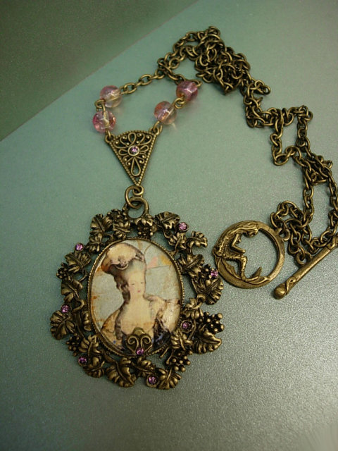 Marie Antoinette necklace baroque with mermaid goddess clasp
