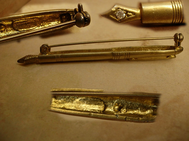Antique Fountain pen brooch with Rhinestone nib