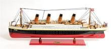 Model Ship Reproduction Titanic Boats Sailing Small Painted New OM-63
