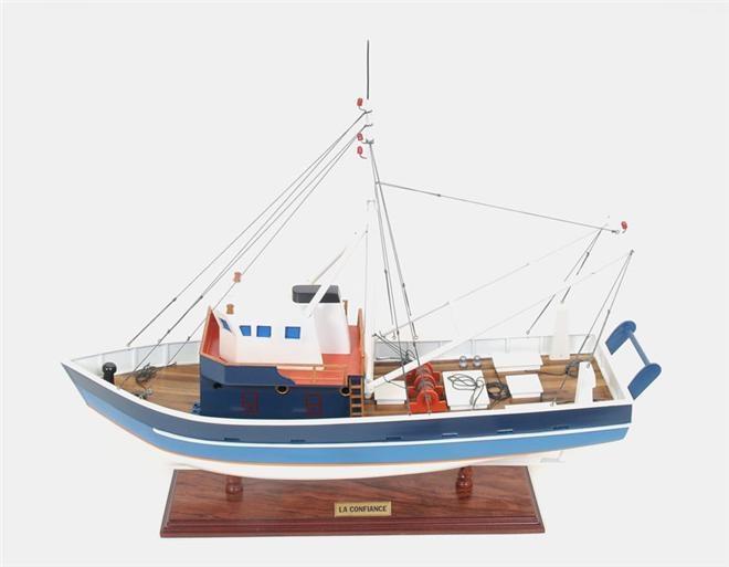 Model Ship La Confiance Boats Sailing Painted Wooden Exotic Wood New OM-25