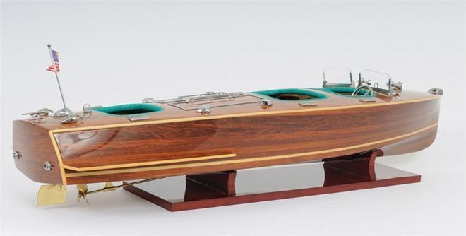 Model Motorboat Like Chris Craft Triple