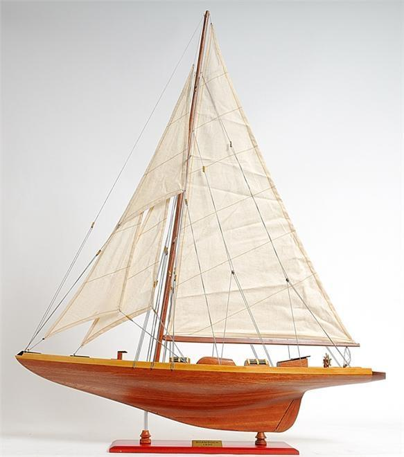 Model Yacht Shamrock Mid Section Western Red