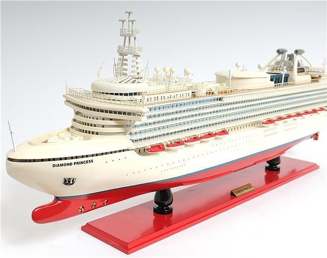 Model Ship Diamond Princess Cruiseliner