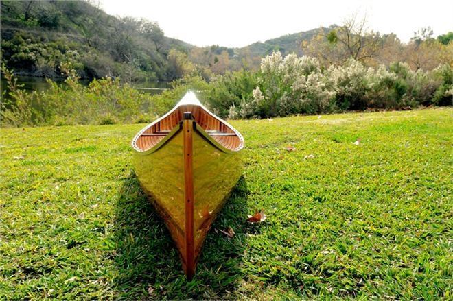 Canoe With Ribs 16-Ft Marine Vanish Clear