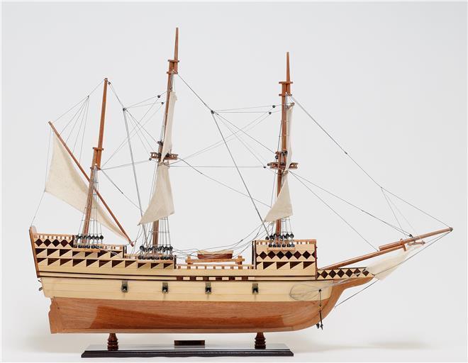 Model Ship Mayflower Medium Mahogany Teak
