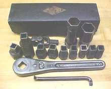 Mossberg Antique Ratchet Wrench Set + Box No. 350