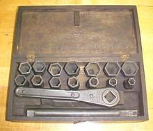 Mossberg No. 13 Socket Ratchet Wrench Socket Set + Box