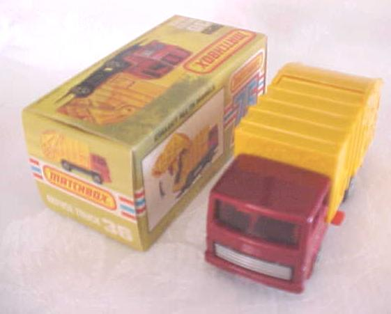 Matchbox No. 36 Refuse Truck MIB