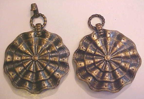 Antique Belt Clip Set Apparel