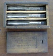 S. W. CARD Taps Boxed Tap Set 3/4-10 Wood Box