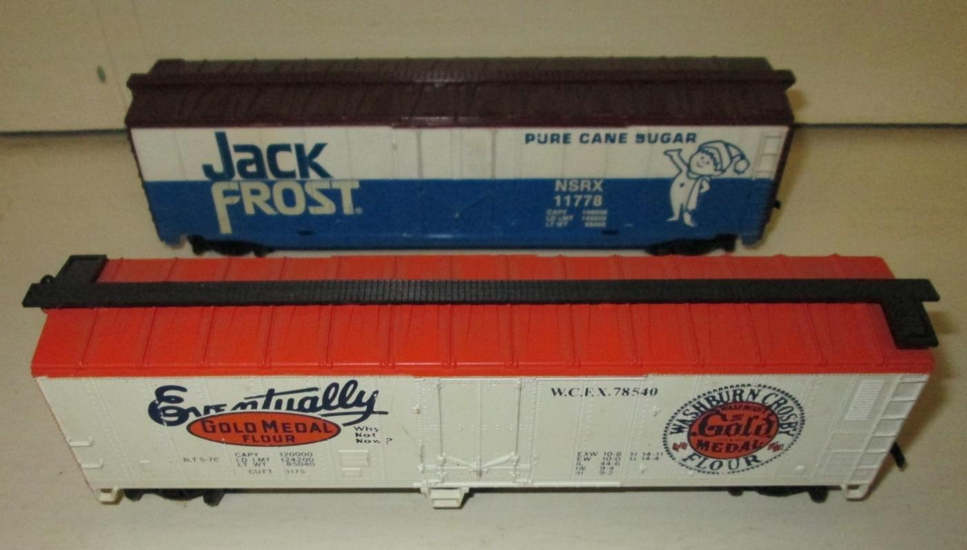 Train Cars HO Scale Jack Frost & Gold Metal (2) Box Cars