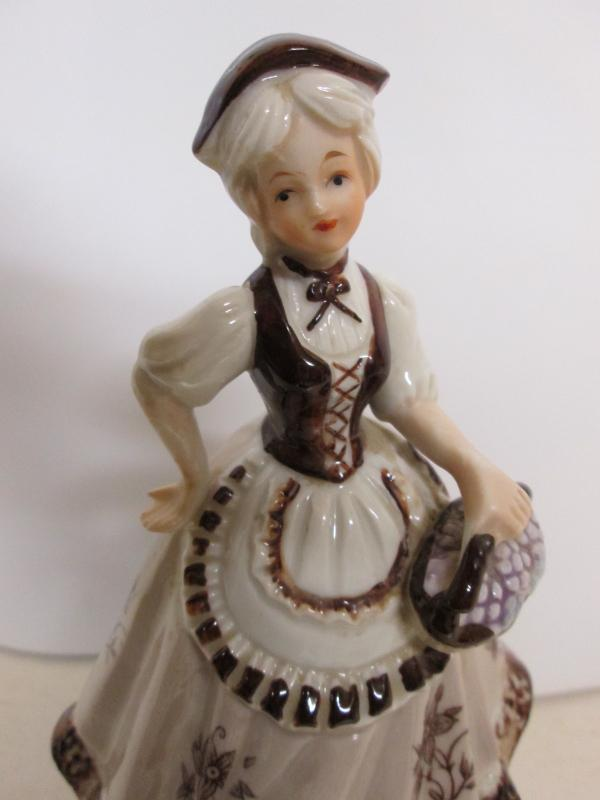 Porcelien Music Box Lady w/ Long Dress