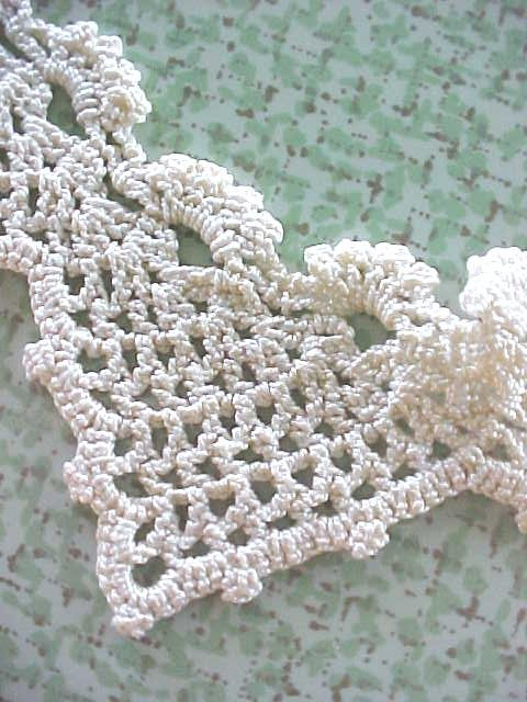 Antique Tatted Lace Heart Collars Ladies 2PC