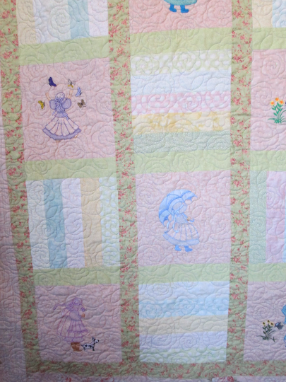 Quilt Embroidery Ladies Pastel Shabby Cottage Chic Queen Size