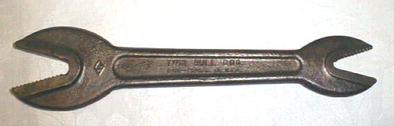 J. H. Williams & Co. Twin Bull Dog Alligator Wrench