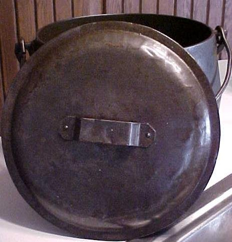 Marietta O. Co. Iron Bulge Cooking Pot & Lid