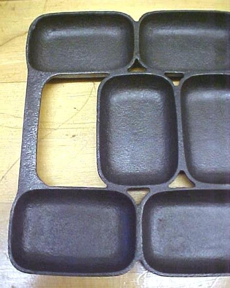 Cast Iron Bread Roll Gem Pan 12 Rectangular Cups