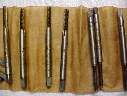 Reiff & Nestor 4-40 Taps in Wood Box