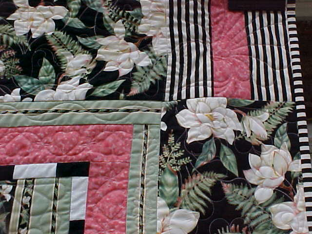 Quilt Queen Size Magnolias Stripes 82 x 92 inch