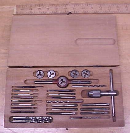 Greenfield Tap & Die Stock Set w/Case Small Sizes!