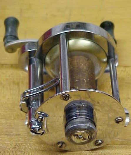 Pflueger Skilkast No. 1953 Level Wind Reel