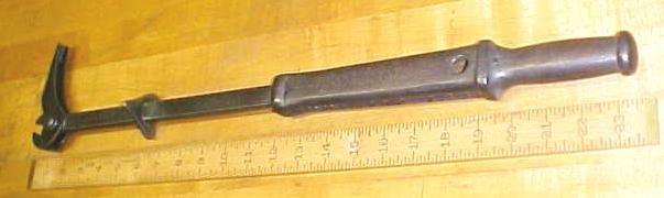 Bridgeport Nail Puller Slip Hammer Type Sure-Grip