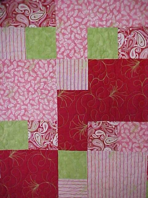Twin Throw Quilt Razzleberries 61 x 74 Reds Pinks Lime Green