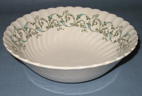 Johnson Brothers Minuet round vegetable bowl