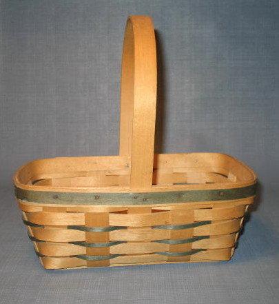1993 Longaberger handwoven handled basket