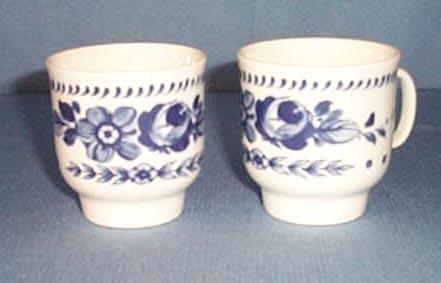 2 Richard Ginori blue and white floral demitasse cups
