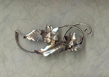 Lang sterling leaf brooch pin