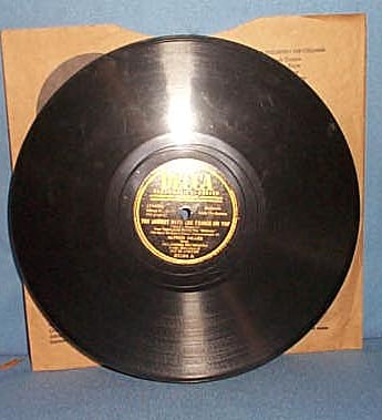 78 RPM The Surrey with the Fringe on Top sung by Alfred Drake