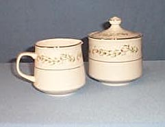 Brentwood Cottonwood #47 creamer and lidded sugar by Franciscan