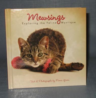 Mewsings : Exploring the Feline Mystique by Fiona Green
