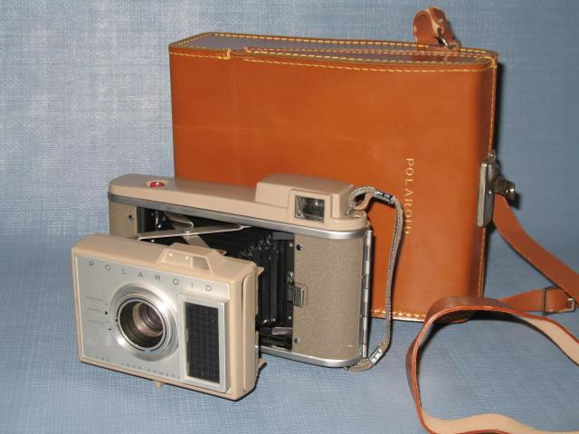 Polaroid J33 Land Camera with original case