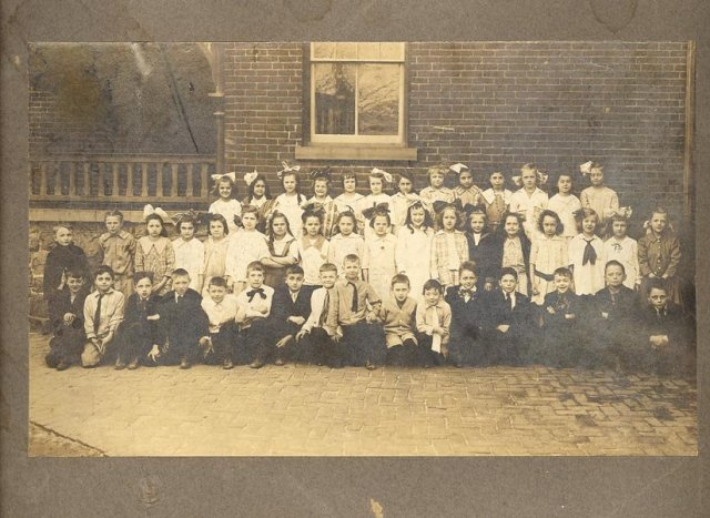 1917 Allentown, PA 3rd Grade Class Photo