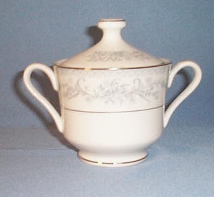 Mikasa Dresden Rose L9009 sugar bowl and lid