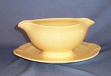Lu-Ray Pastels yellow gravy boat