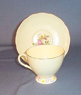 Foley China cup and saucer V2210